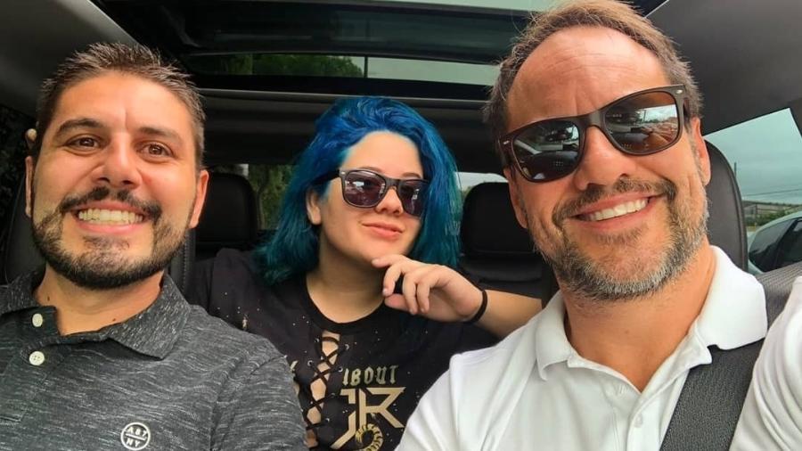 Ana Karolina Lannes, a Ágata de Avenida Brasil, com os pais - Reprodução/Instagram/karollannes_