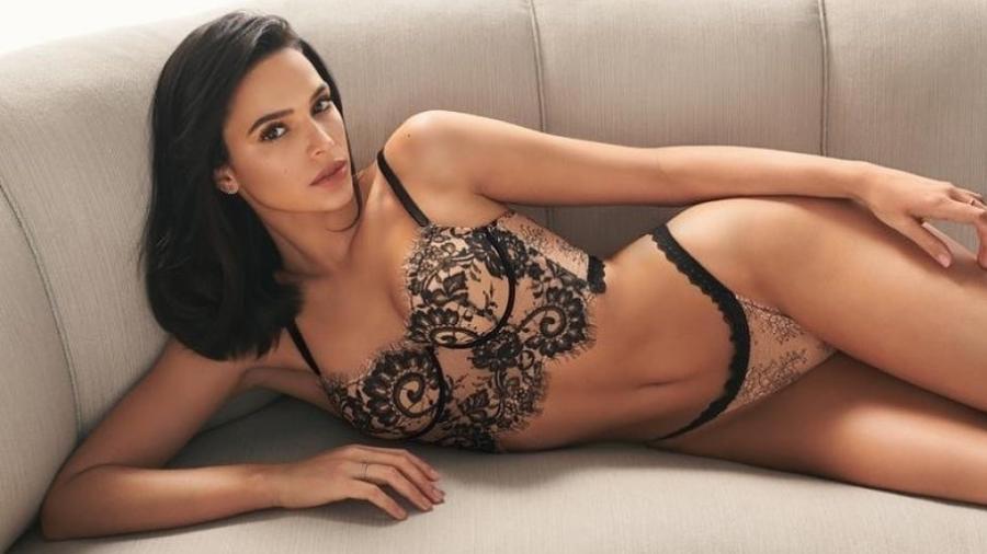 Bruna Marquezine posa de lingerie para campanha de grife italiana - Reprodução/Instagram/brunamarquezine