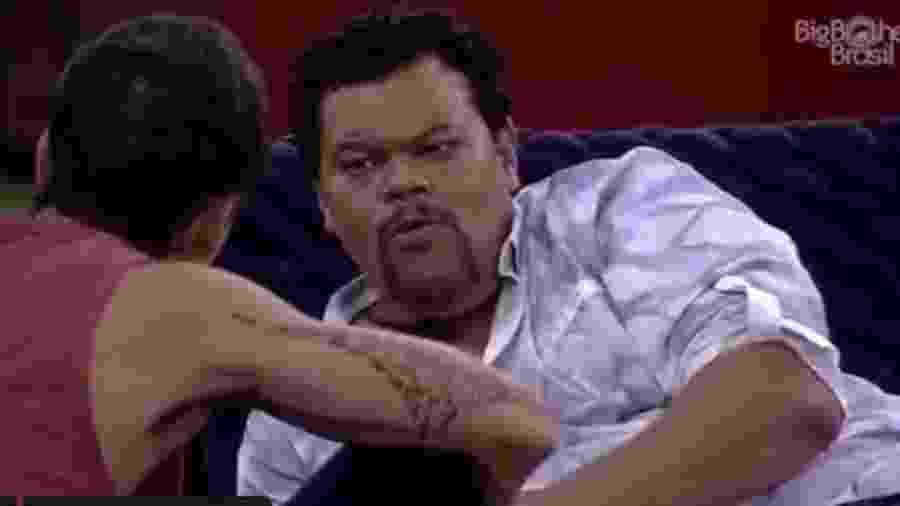 BBB 20: Babu conversa com Felipe - Reprodução/Globoplay
