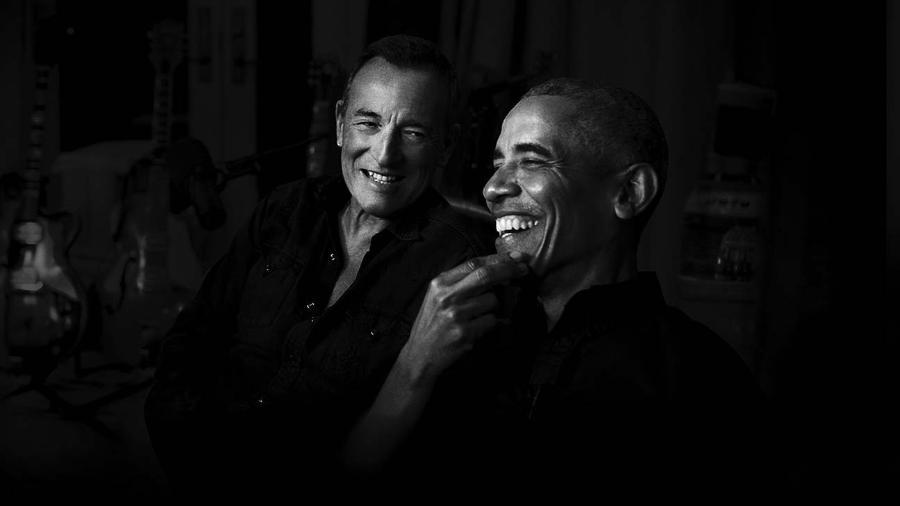 """Bruce Springsteen e Barack Obama fazem parceria em podcast """"Outsiders"""" - Reprodução/Twitter"""