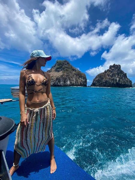 Isis Valverde em registro feito no arquipélago de Fernando de Noronha, onde a atriz comemorou o aniversário - Reprodução/Instagram