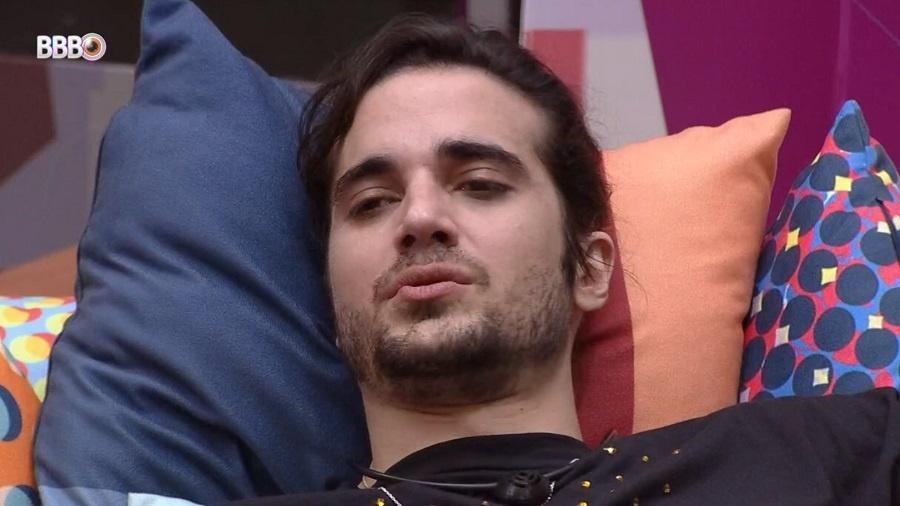 BBB 21: Fiuk cai no choro durante festa - Reprodução/Globoplay