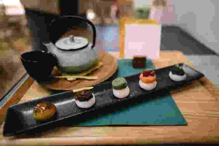 Uma seleção de mochis em restaurante japonês - Getty Images - Getty Images