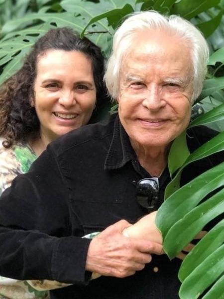 Cid Moreira e Fátima Sampaio são casados desde 2000 - Reprodução/Instagram