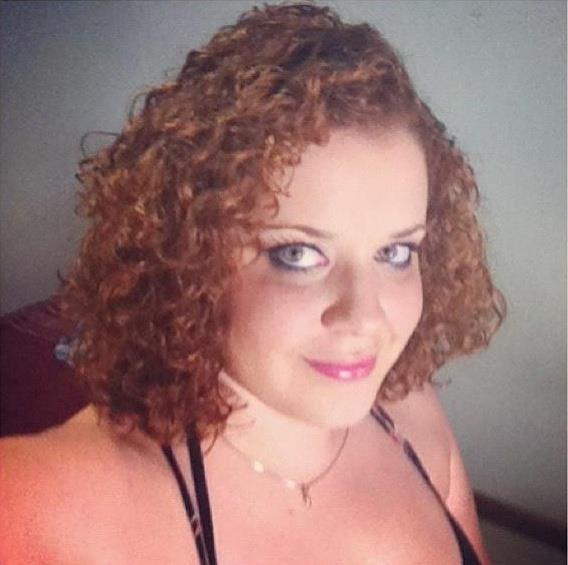 Ex-obesa, Luciana Soares da Costa, 28 anos, perdeu 38 kg após começar a fazer balé.