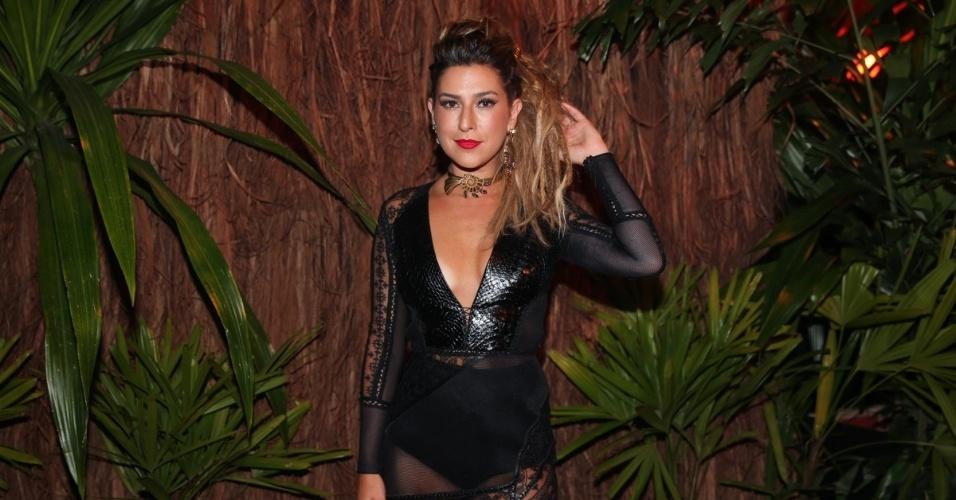 28.jan;2016 - Fernanda Paes Leme no baile da Vogue, em São Paulo