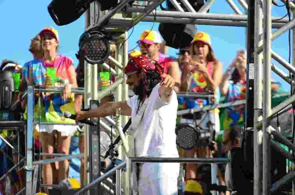 Bell Marques e seu trio camaleão abrem o domingo de Carnaval do circuito Barra Ondina em Salvador - Thiago Duran e Eduardo Martins/Agnews