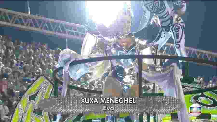 Xuxa Meneghel reaparece na Globo durante o desfile da Grande Rio - Reprodução/TV Globo