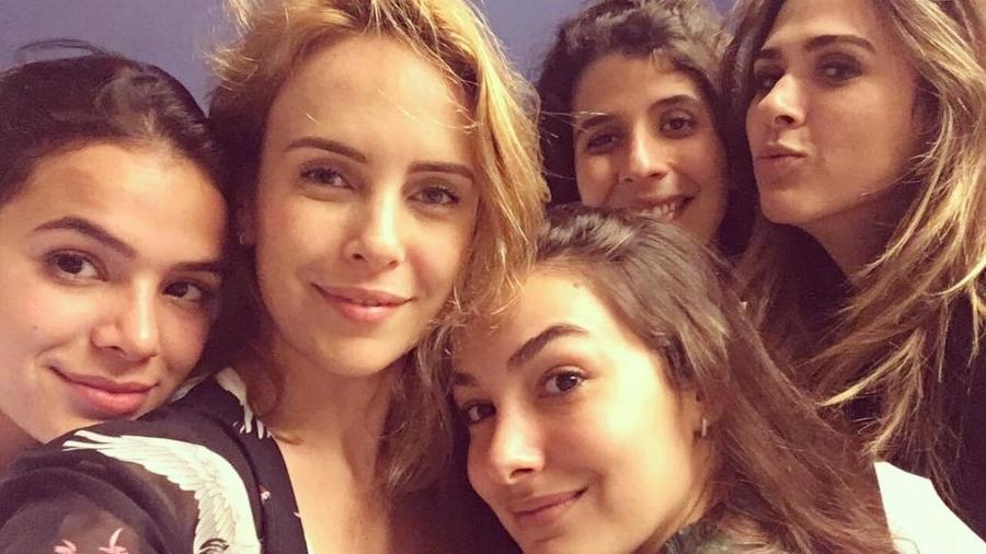 Bruna Marquezine, Fernanda Nobre, Marina Moschen, Flora Diegues e Tatá Werneck - Reprodução/Instagram