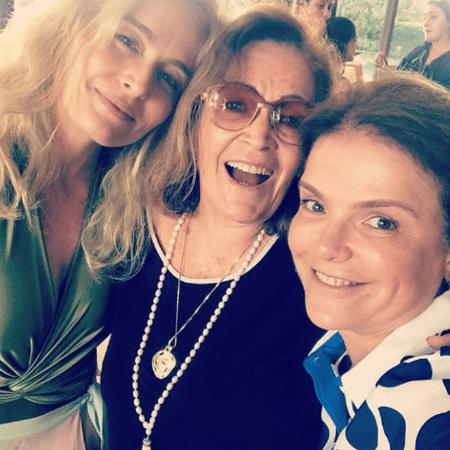 Angélica com a mãe, Angelina, e a irmã, Marcia Marbá - Reprodução/Instagram/angelicasky