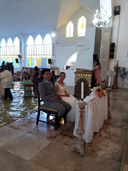 Jeff e Jobel em casamento nas Filipinas - Reprodução/Facebook