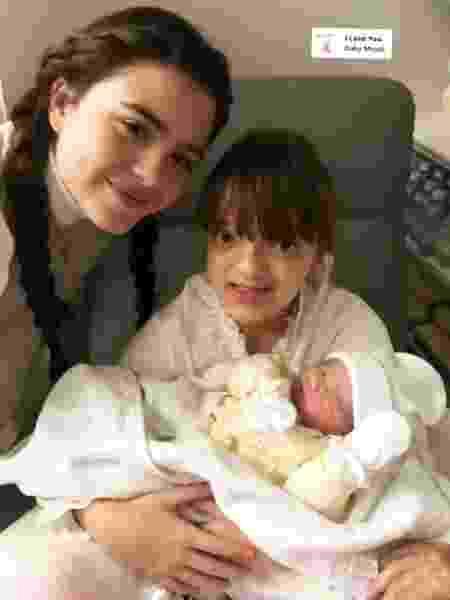 Rafaella Justus com a irmã Manuella no colo - Reprodução/Instagram