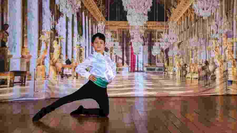 """Miguel Labajo, 10, começou a dançar aos oito anos; a paixão pelo balé surgiu após ver o filme """"A Bailarina"""" - Arquivo Pessoal"""