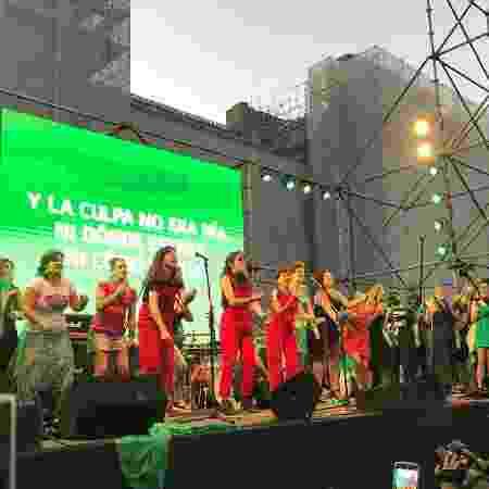 Coletivo chileno Las Tesis apoia manifestação argentina pró-aborto - Luciana Taddeo