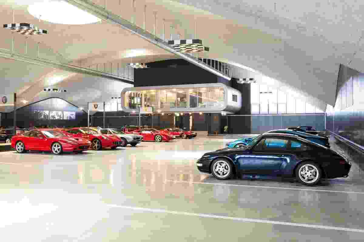 'Hotel' para carrões na Suíça reúne modelos de sonhos que vão de superesportivos a clássicos - Joaquim Oliveira/UOL