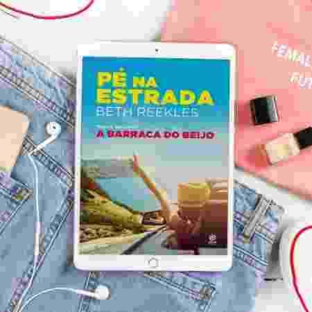 """Pé Na Estrada, livro da série """"A Barraca do Beijo"""" - Reprodução/Instagram"""