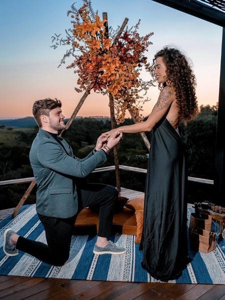 Breno Simões pediu Paula Amorim em casamento - Reprodução/Twitter @paulaamorim
