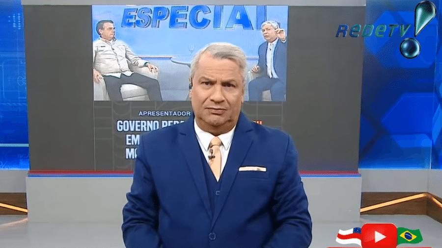"""Sikêra Júnior relevou salário no """"Alerta Nacional"""" - Reprodução/RedeTV!"""
