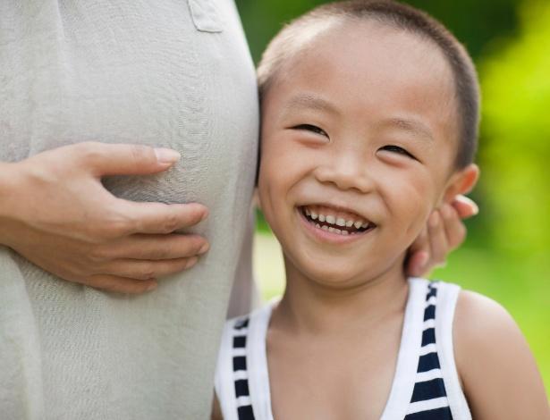 As reações do primogênito vão variar com a idade e os pais devem ficar atentos - Getty Images