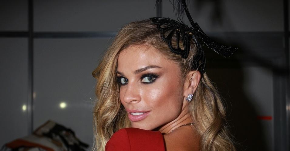 28.jan.2016 - Grazi Massafera no baile da Vogue, em São Paulo