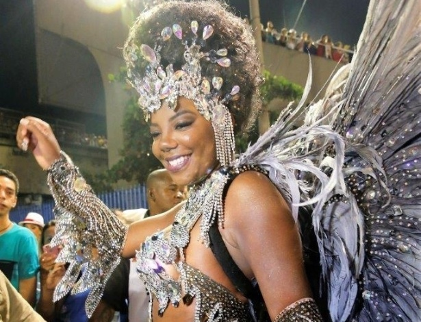 8.jan.2016 - É a primeira vez que Ludmilla desfila em uma escola de samba