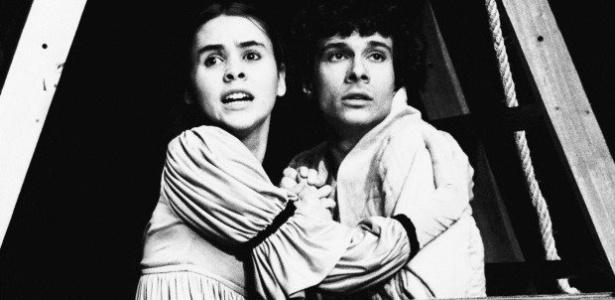 """""""Romeu e Julieta"""", em 1984, com Giulia Gam e Marco Antônio Pâmio - João Caldas"""