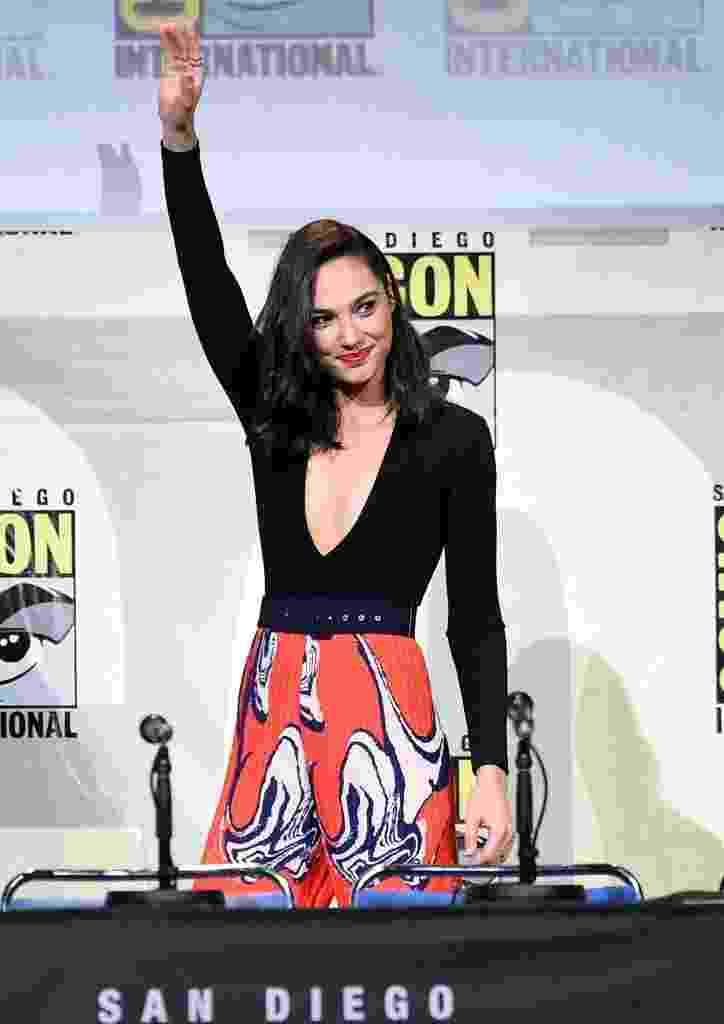 23.jul.2016 - A atriz Gal Gadot, que interpreta a Mulher Maravilha, participa de painel do filme durante a Comic-Con - Kevin Winter/Getty Images/AFP