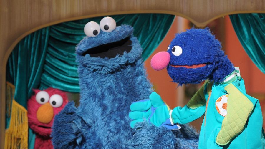 """Elmo, Come-Come e Grover em cena de """"Sésamo"""", uma das maiores audiências da TV Cultura - Jair Magri/TV Cultura"""
