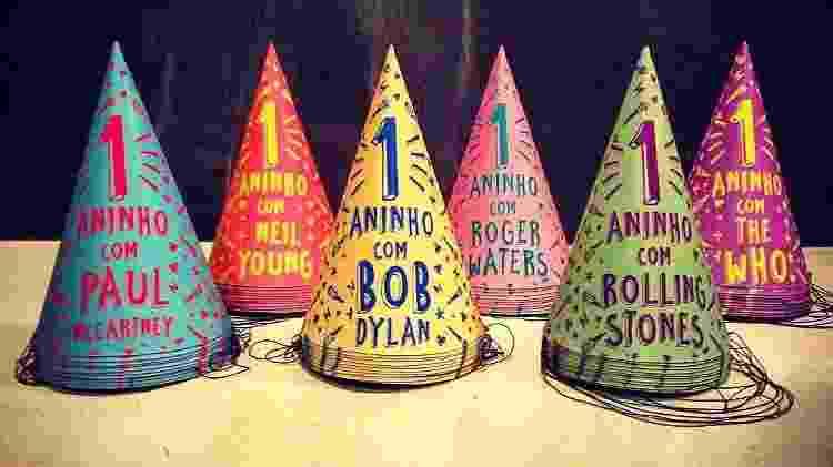 Chapéus personalizados que a família usou levavam o nome da atração principal do dia - Arquivo pessoal - Arquivo pessoal