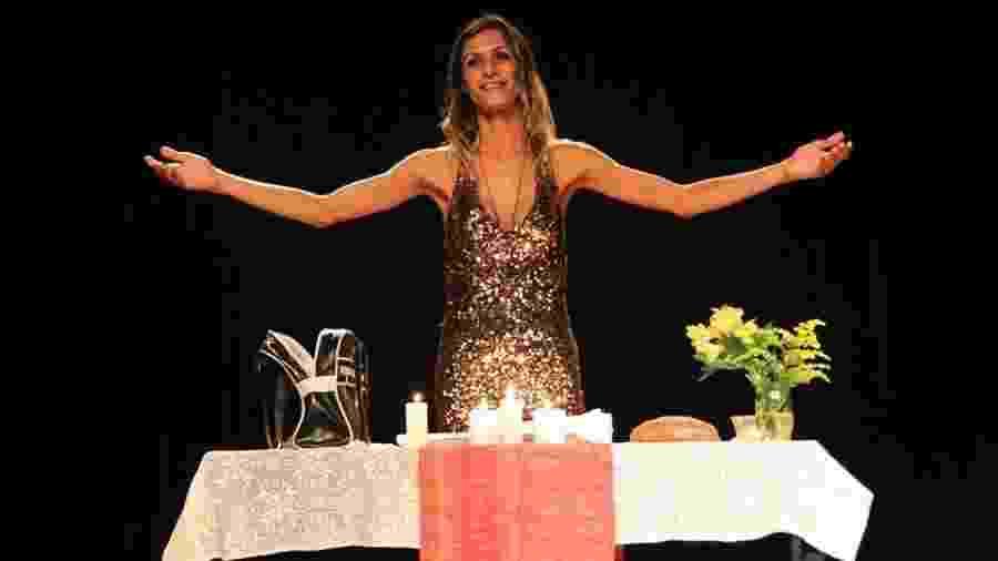 """Imagem da peça """"O Evangelho Segundo Jesus, Rainha do Céu"""" - Reprodução/Facebook"""