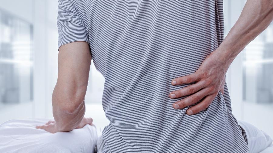 Segundo dados do PNAD (Programa Nacional de Amostra por Domicílios), a dor lombar é a segunda condição de saúde mais comum no Brasil, ficando atrás apenas de hipertensão arterial - iStock