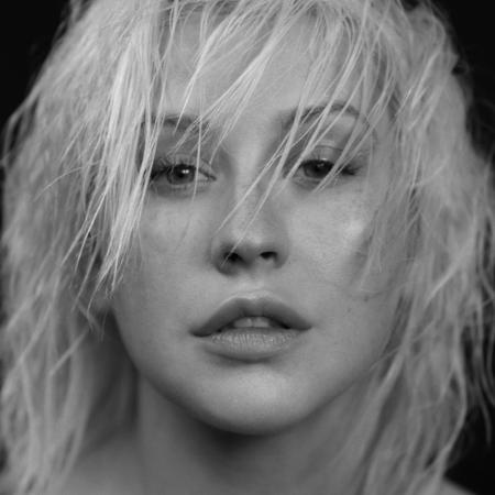Christina Aguilera em capa de seu novo CD - Reprodução/Twitter