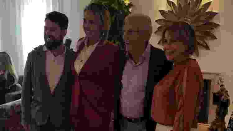 Carlos Alberto de Nóbrega e Renata Domingues se casam no civil - Reprodução/Instagram - Reprodução/Instagram