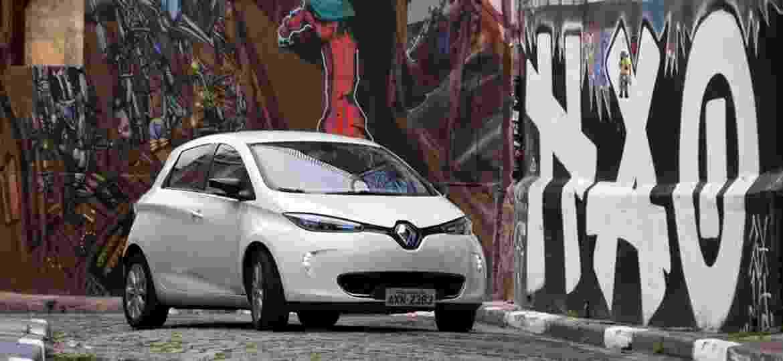 Hatch elétrico Zoe é um dos modelos da marca que já estão em ações de compartilhamento - Murilo Góes/UOL