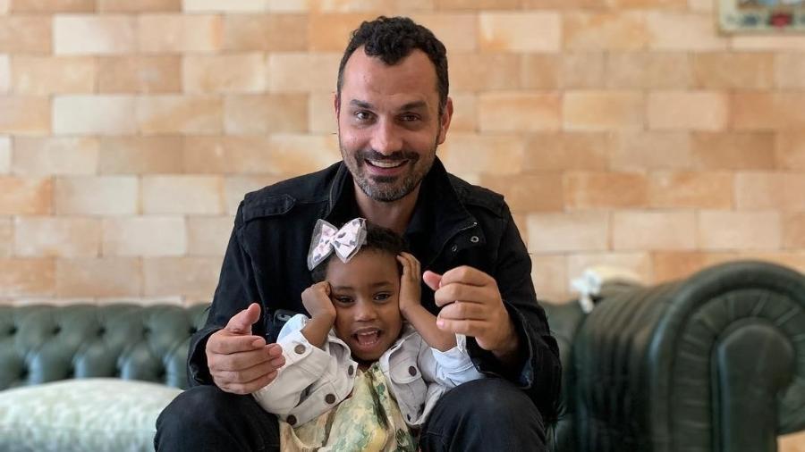 Ale Youssef com Júlia, sua filha com Leandra Leal - Reprodução/Instagram