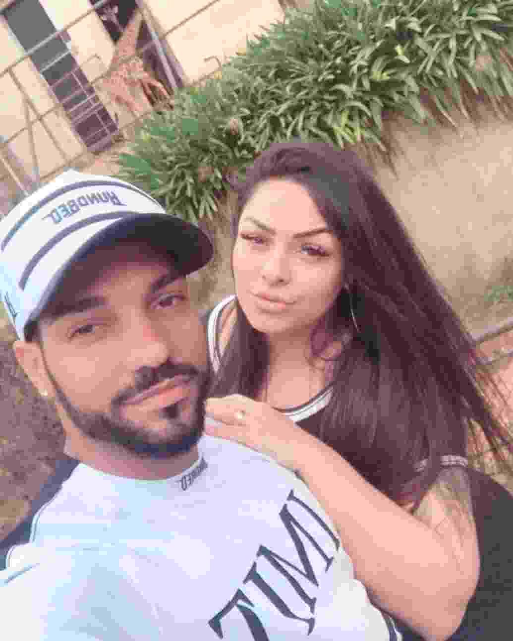 Andressa Soares, a Mulher Melancia, ao lado do noivo, o jogador Michel Macedo, do Corinthians - Reprodução/Instagram/mulhermelanciaoficial