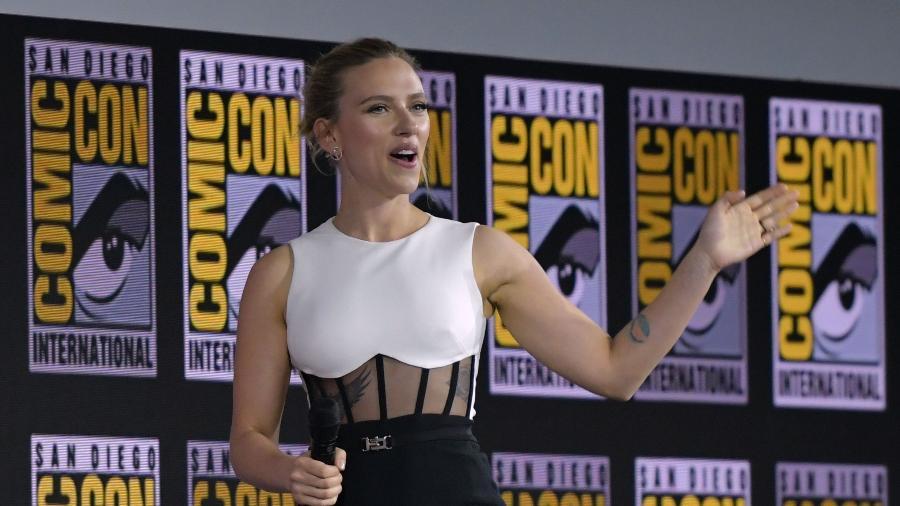 Scarlett Johansson fala sobre o filme solo da Viúva Negra na San Diego Comic Con - Chris Delmas / AFP