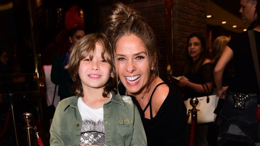 Adriane Galisteu e o filho Vittorio, de 9 anos - Leo Franco / AgNews