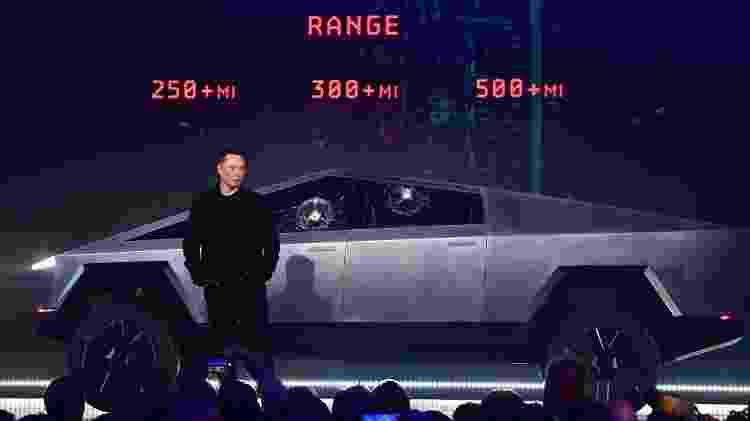 Apresentação de picape super-resistente da Tesla termina em fiasco - FREDERIC J. BROWN / AFP - FREDERIC J. BROWN / AFP