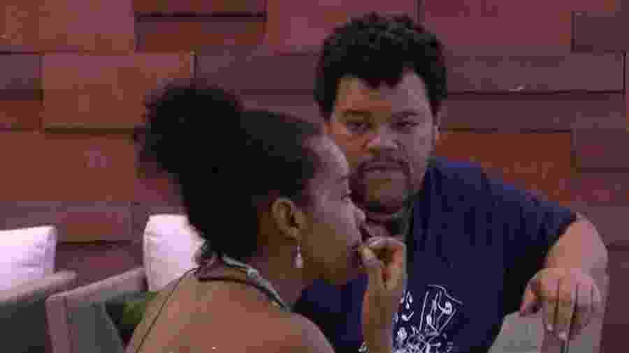 Thelma conversa com Babu - Reprodução/Globoplay