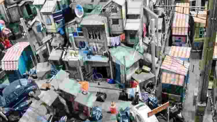 União da Ilha: Acima de uma alegoria que ambienta uma favela, será possível ver um helicóptero - Arquivo pessoal