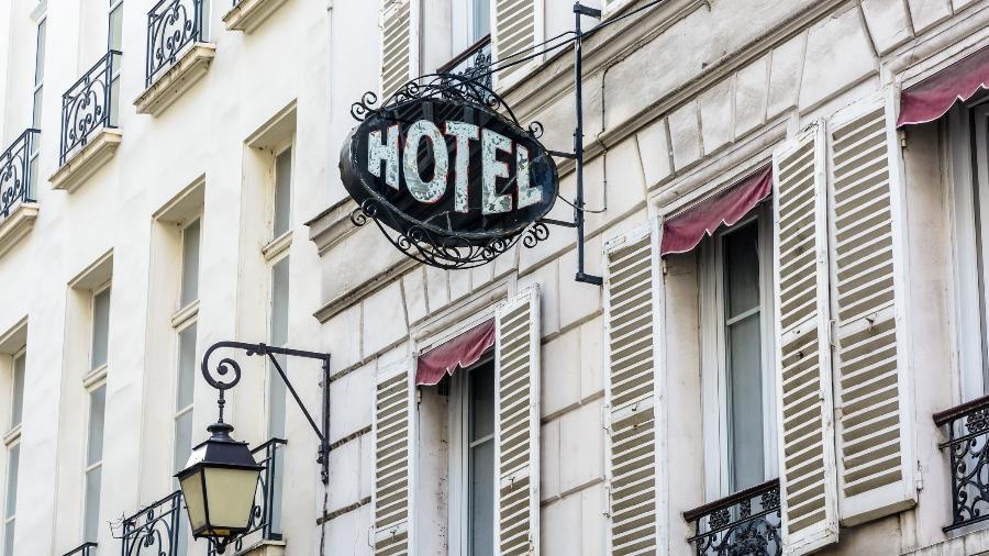 Fachada de hotel - Getty Images/iStockphoto