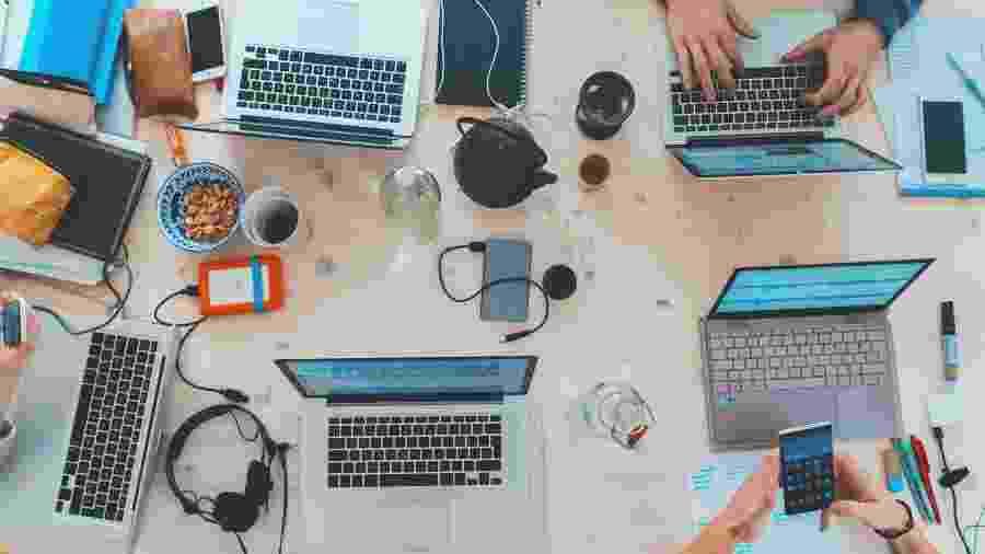 No futuro, trabalharemos em casa e valorizaremos as conexões pessoais - Marvin Meyer/Unsplash