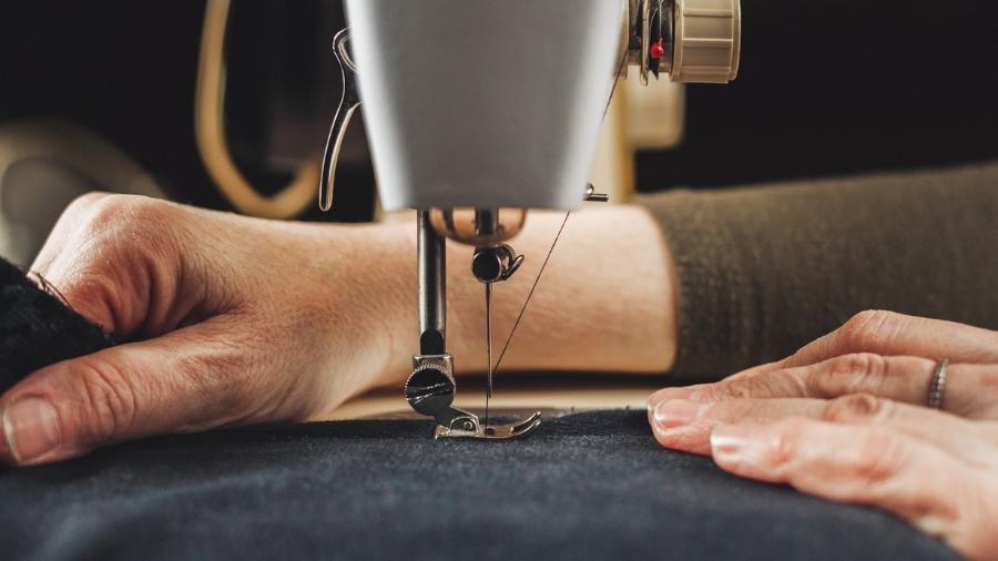 Importante fornecedora da empresa têxtil espanhola Inditex (proprietária da Zara) e da americana PHV (Calvin Klein, Tommy Hilfiger), a Beximco enviou 6,5 milhões de trajes de proteção no mês passado à marca americana Hanes - Getty Images/iStockphoto