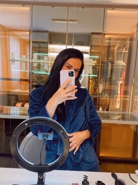 Graciele Lacerda em closet de apartamento - Reprodução/Instagram
