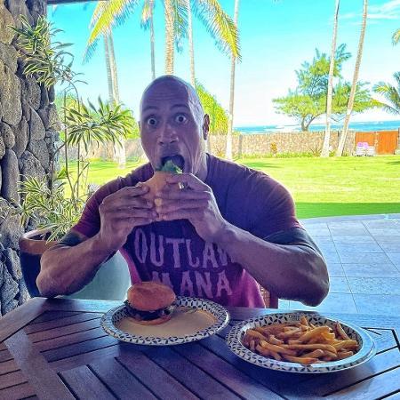 The Rock detalha dieta rígida - Imagem: Reprodução/Instagram@therock