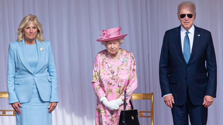 13.jun.2021 - Jill Biden, rainha Elizabet 2ª e o presidente dos Estados Unidos Joe Biden - Samir Hussein / WireImage