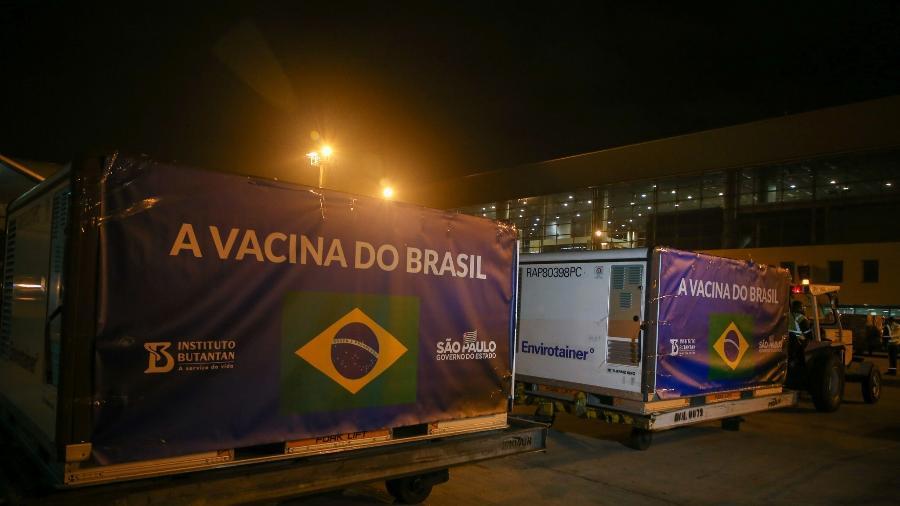 SP recebe lote de matéria prima para fabricação de mais de 4 milhões de doses da CoronaVac - Divulgação/Governo de São Paulo