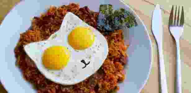 A empresa Egg Addiction criou a forma Cat Fried Egg Mold que serve para fritar ovos - Divulgação/ Egg Addiction