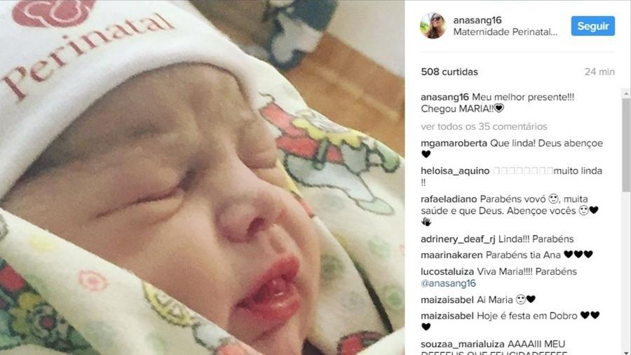 Rostinho de Maria, filha de Felipe Simas e Mariana Uhlmann - Reprodução/Instagram/anasang16